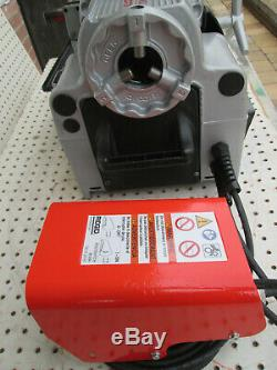 Portable Pipe Threading Machine, Ridgid, 1215 Two 811 heads
