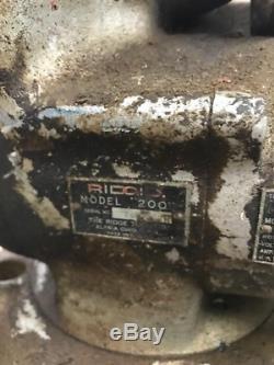 Ridgid 200 Pipe Threading Machine with Stand