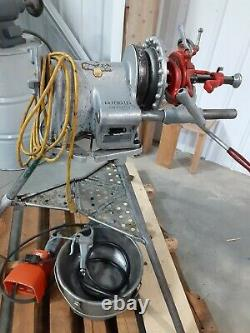 Ridgid 300-T2 threading machine with attachments & oiler system can