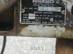 Ridgid 400A Pipe Threader with legs and oiler pump & pan